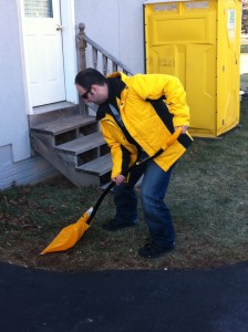 Shoveling with Good Biomechanics
